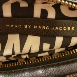 Marc jacobs bag ( Small for everyday activities)